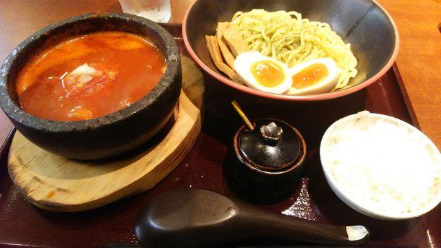 節系とんこつらぁ麺 おもと - トマトつけ麺。