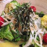 33118156 - 明石産春菊と淡路玉葱サラダ