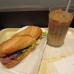 ドトールコーヒーショップ - 贅沢ミラノサンド・ローストビーフ~特製バルサミコソース~、アイスカフェラテ