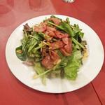 ラ・ベルデ - ホウレン草とベーコンのサラダ