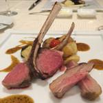 33124058 - 肉料理:仔羊グリル、相方は牛ほほ肉の赤ワイン煮