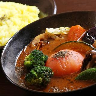 新鮮な野菜を使ったカレーをお楽しみください