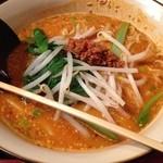 蓬莱飯店 - 坦々麺