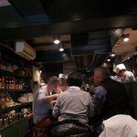 シャンウェイ - 開店時間前から満席