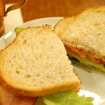 上島珈琲店 - 厚切りベーコンのサンドイッチ