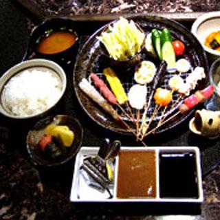 くら羅 - くら羅コース(串かつ10本・手作りポテトサラダ・キャベツ・季節の小鉢・ごはんセット)