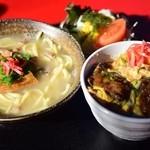 おきなわんcafeちゅらかーぎ - 料理写真:沖縄そばセット(ミニなんこつ丼)