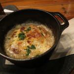 33159221 - タスマニア産のサーモンと茸のグラタン、イクラの醤油漬けをソース代わりに1