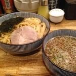 金星 - 濃厚鶏白湯つけ麺(並盛)