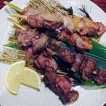 瑠璃の間 - もち豚串焼き&砂肝唐揚げ