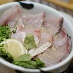 海鮮丼 日の出 -