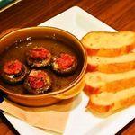 トラベルカフェ - マッシュルームと生ハムのアヒージョ(パン付き)