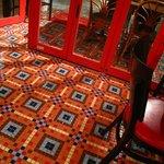BISTRO L'Assiette - 床のタイルがオサレ