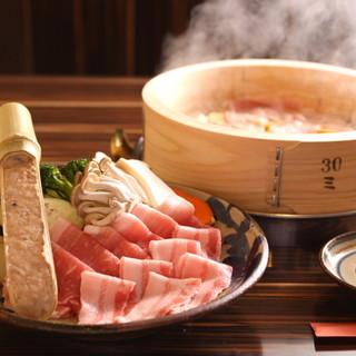 こだわりの島豚!お肉食べ比べコース¥3,800(税別)