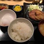 あぐらし - <2014/12>炭焼おろしハンバーグ定食(500円税込)