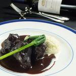 トラベルカフェ クッチーナ イタリアーナ - 牛ほほ肉の赤ワイン煮込み