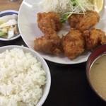 めしや - 唐揚げ定食 680円