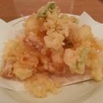 あお - 貝柱と海老のかき揚げ(850円)