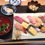 Takarazushi - ランチ にぎり1.5人前 1,500円