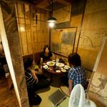 へんくつ屋 彦べえ - 家飲み感覚でリラックスできる円卓個室