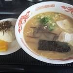 熊本ラーメン らしん - 料理写真:ラーメンセット(650円)