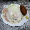 ポーポロ - 料理写真:目玉焼き+コロッケ