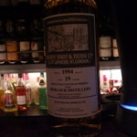 ヴァルハラ - 華やかな香りのウイスキー。バニラや白い花のような香りがします