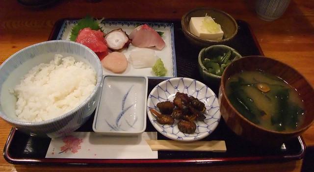 割烹たなか - ランチの刺身定食(900円)