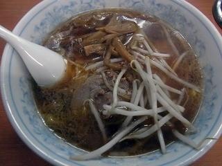 丸福 - 中華そば 680円
