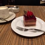 門洋菓子店 - ケーキセットの全容