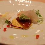 ピッツェリア スペリアーモ! - 鯛をめくると・・  玉子ソース×バルサミコのジュレ×アボカドソース(^^)