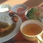 カフェテリアふじ - 昼食(カレー)610円