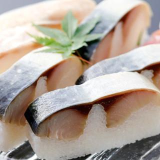 さば寿司(一人前・吸物付)2,400円(税別)
