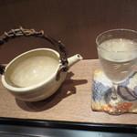 33230460 - この様な酒器で日本酒いただきました。