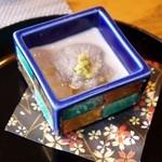 京都牛懐石 稲吉 - 黒ゴマ湯葉