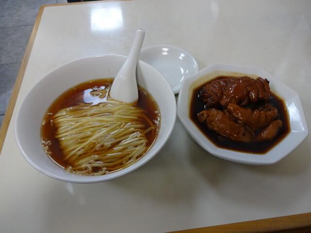 徳記 - 豚脚麺(とんそくそば)