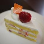 パティスリー オランジュ - 苺のショートケーキ