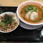 ラーメン四天王 - 料理写真:味噌ラーメン、ミニチャー丼セット 950円
