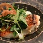 o・mo・ya - 2014/12 鯛のポワレ(白菜のクリームソース)UP