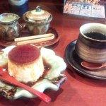 熊や別館 弥栄 - プリンとコーヒー