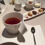 ロワゾー・パー・マツナガ - 紅茶です。