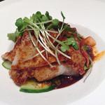 honkakushisenryourisantei - 豚三枚肉のガーリックソース