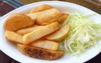 カトマンドゥ - カキ塩ポテト500円。フライドポテトを当店オリジナルヒマラヤ岩塩「カキ塩」味でどうぞ。