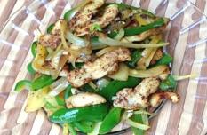 カトマンドゥ - ささみとピーマンの炒め物。Chicken and green pepper 550円。あっさりスパイシー塩味。