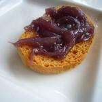 ヴィア・デル・ボルゴ - 紫玉葱のクロスティーニ