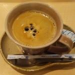 アット イーズ カフェ - コーヒー