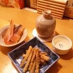 なか屋 - 日本酒「雪の茅舎」のお燗(旨い~)とごぼうのたたき