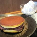 菊丸 - クリームどら焼き
