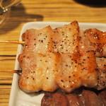 33255209 - 肉汁あふれる絶品の豚バラは130円ととても安いです。