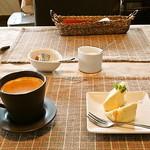 ビストロゼブラ - マンゴーのムースとコーヒー